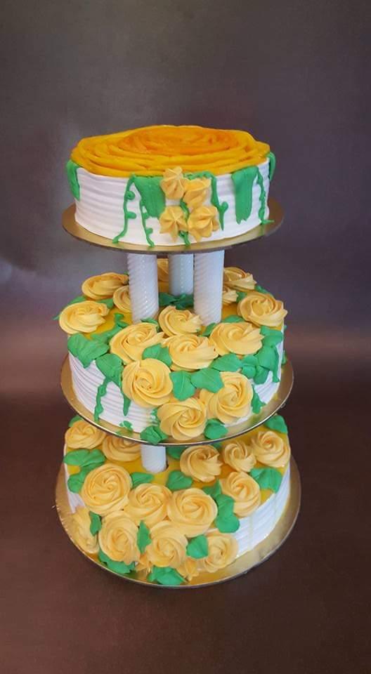 3 tier cake by sonia changediya