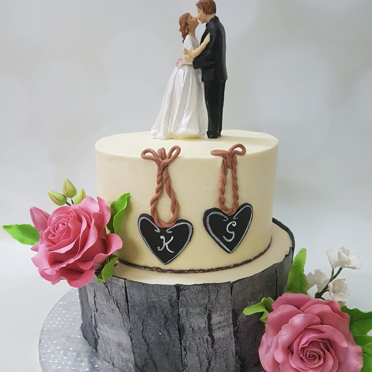 Cake for couples by shalini salve
