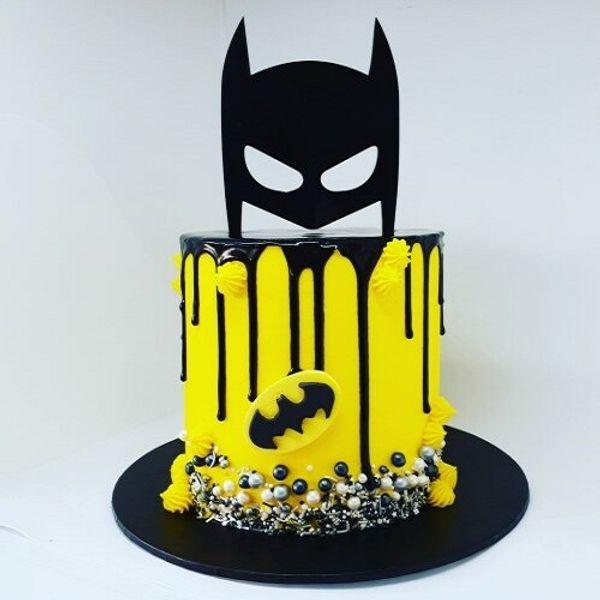 batman-theme-cake