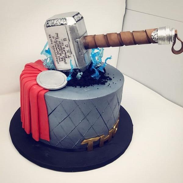 thor-theme-cake