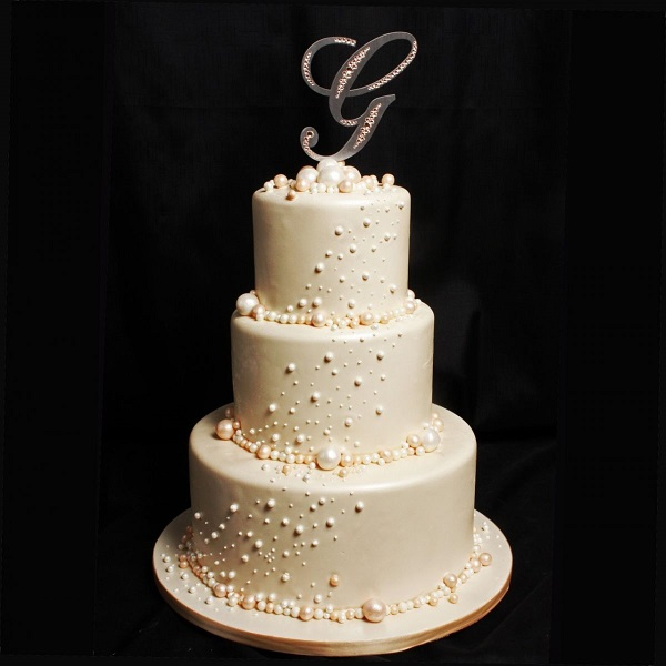 Elegant Wedding Cake | Bulb And Key