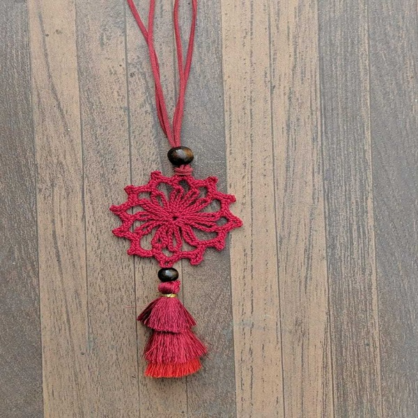 Red color crochet necklace