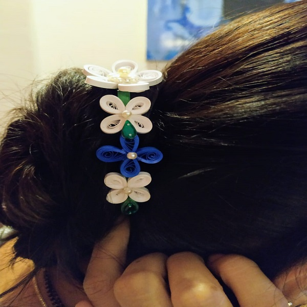 Hair Brooch white and blue