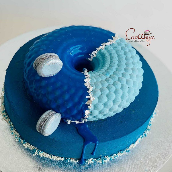 Blue pastry