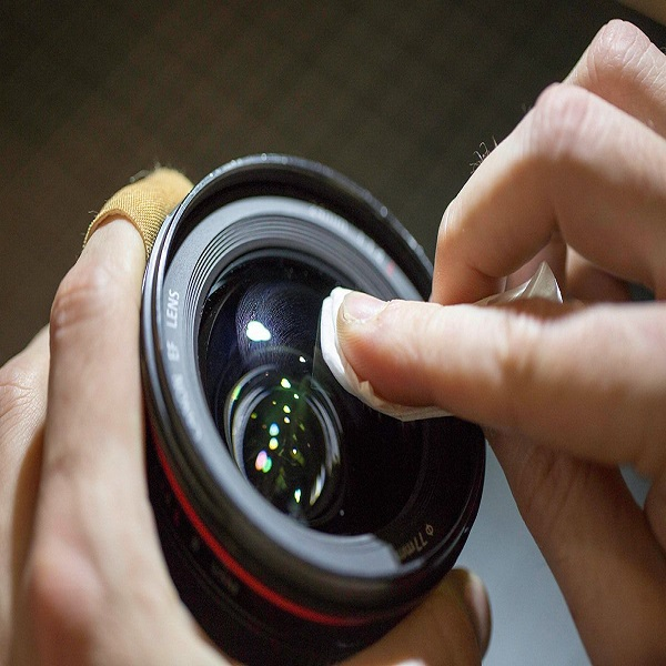 cleaning lens of camera