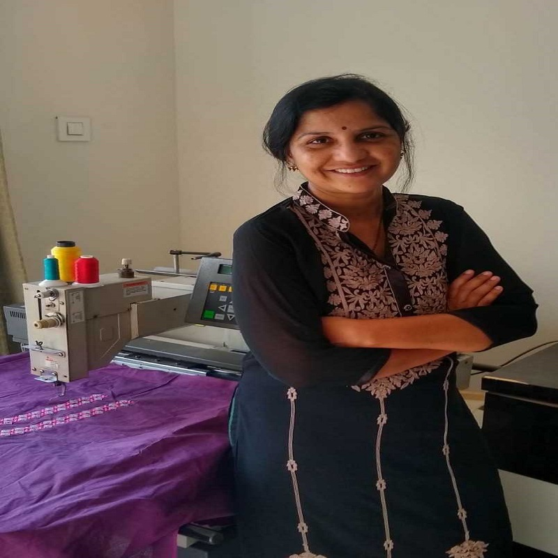 Meet The 'Master Of Embroidery' Anjali Jadhav Who Says Learning Is A Life-long Process