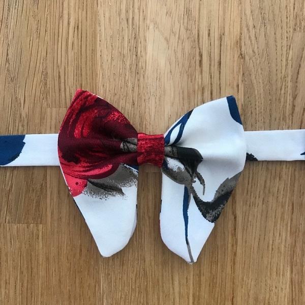 Multicolor knot tie