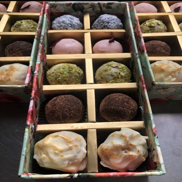 Multicolor small cupcakes