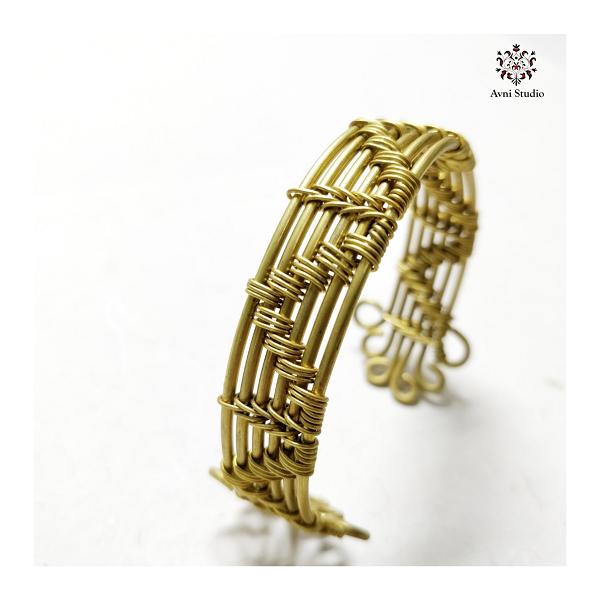 handmade bracelet by Avni Studio