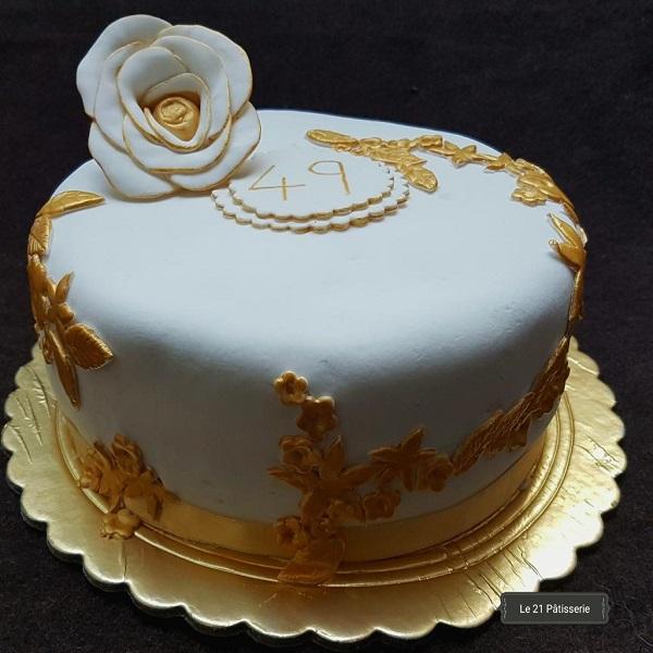 White themed cake