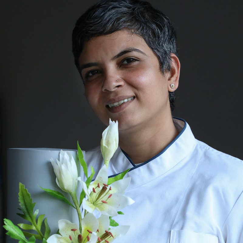 Self-Made Baker And Founder Of White Lotus School Of Cake Decoration Arts – Priyanka Deokar Ajwani Shares Her Journey With Us!