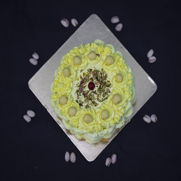 Komal sule cake 3