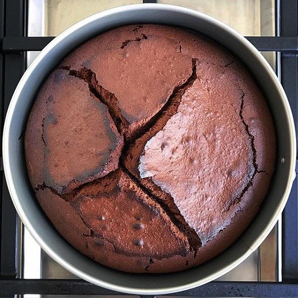 Cake Cracks | Bulb And Key